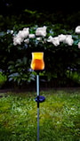 gngljus-med-ppet-glas-amber-solcell-2