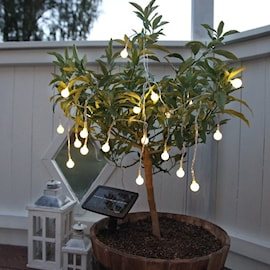 ljusslinga-i-vitt-solpanel-1